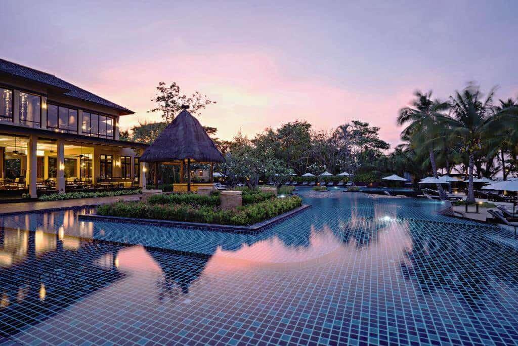 Moevenpick Asara Hua Hin swimmingpool for the whole day. Thailand Event Guide