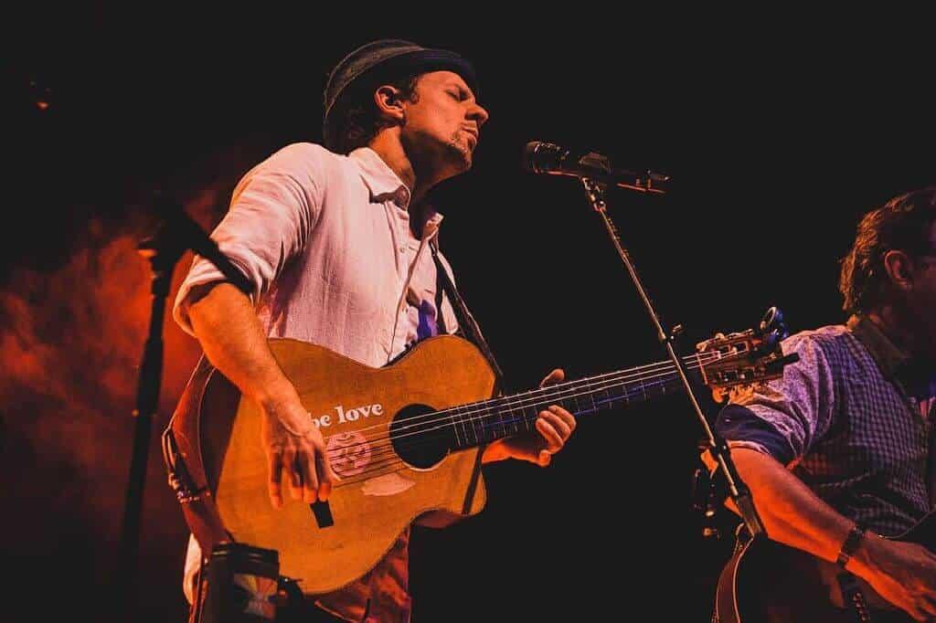 Jason Mraz solo with guitar. Thailand Event Guide