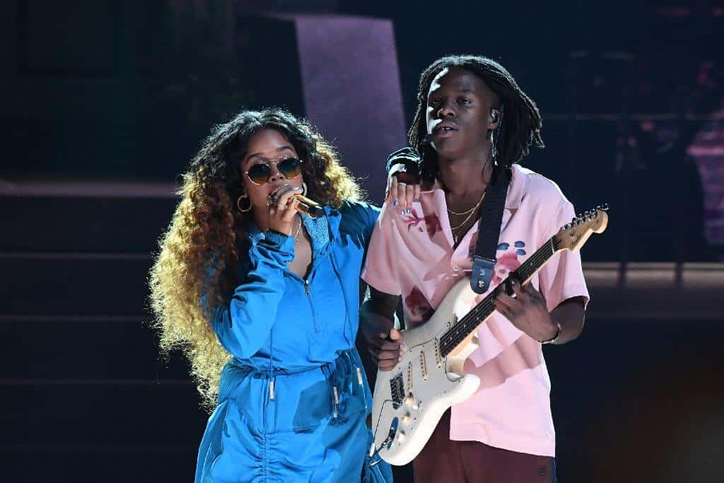 Her and Daniel Caesar performs at the BET Awards. Thailand Event Guide
