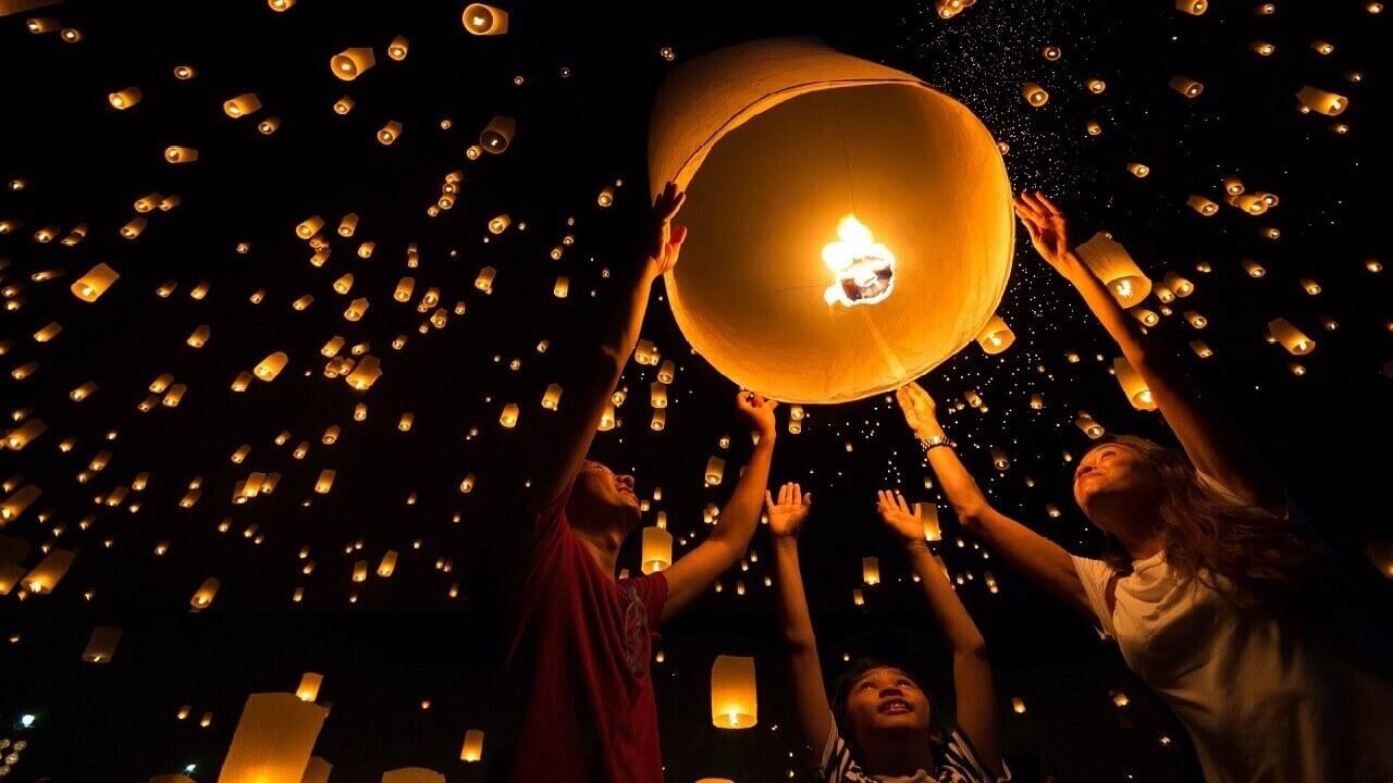 Thai Festivals - Loy Krathong Thailand